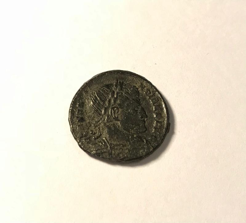 AE3 de Constantino I. D N CONSTANTINI MAX AVG / VOT / XX. Ticinium. Img_4818