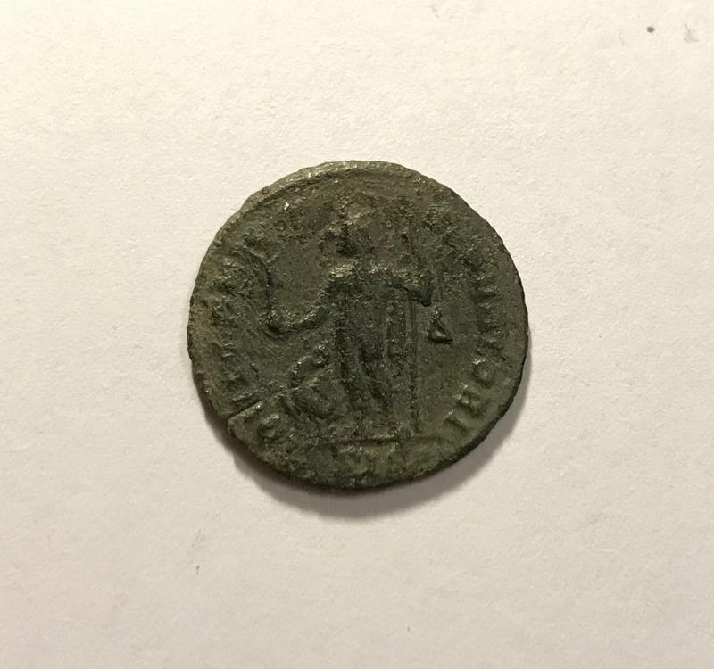 Nummus de Licinio I. IOVI CONSERVATORI. Júpiter a izq. Siscia Img_4826