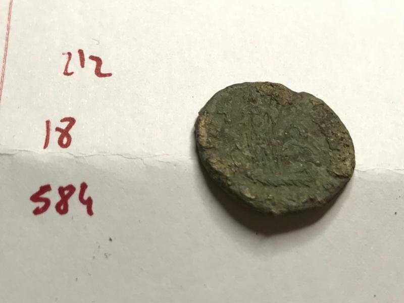 AE3 de Constante I. FEL TEMP - REPARATIO. Emperador sobre galera, Img_5516