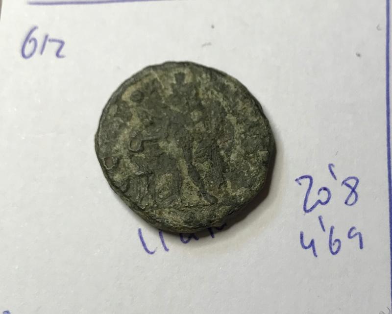 Nummus de Maximinino II Daza. GENIO AVGVSTI. Genio a izq. Aquilea Img_5715