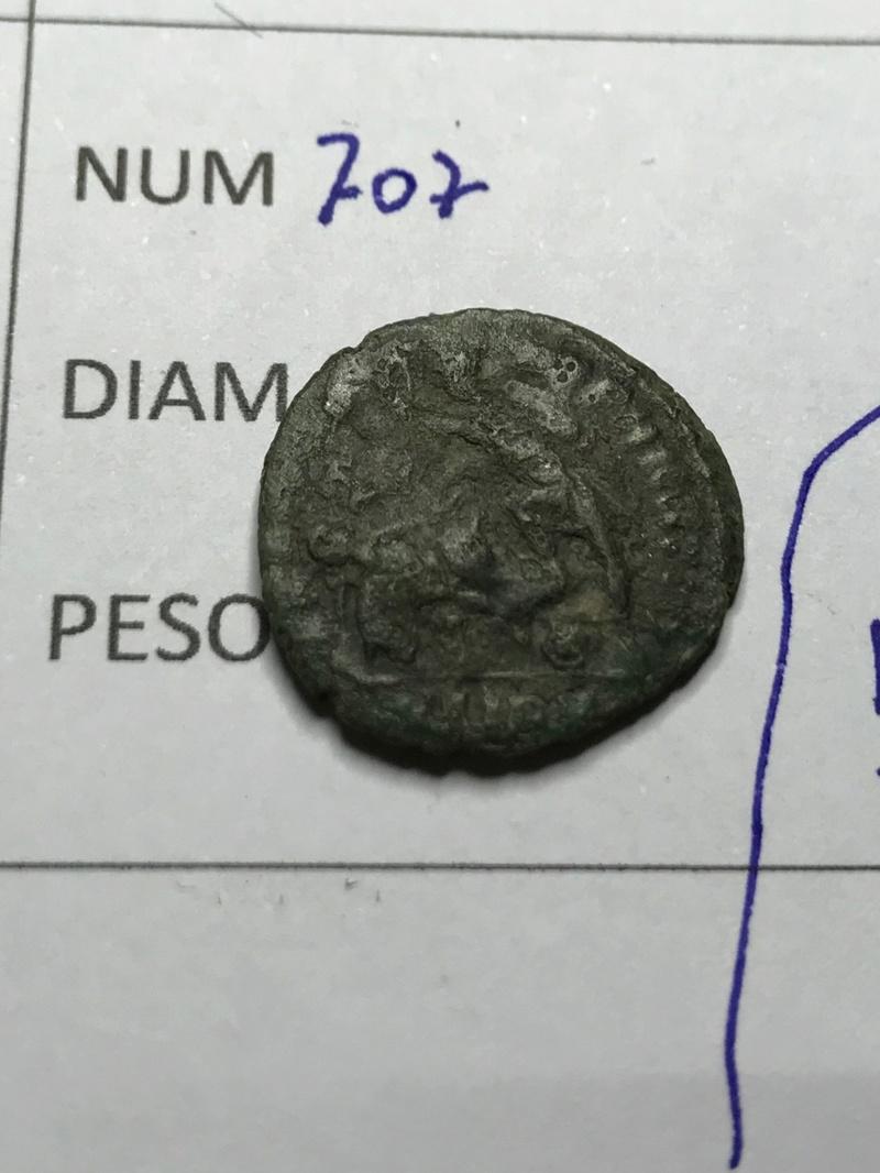 AE3 de Constancio Galo. FEL TEMP REPARATIO. Soldado romano alanceando a jinete caído. Sirmio Img_5822