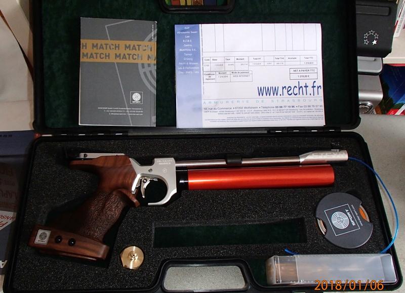 Comparaison entre 2 pistolets abordables.. P1060110