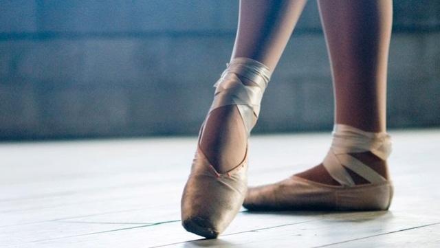 Sujet pour les pubs ^^ Danse-10