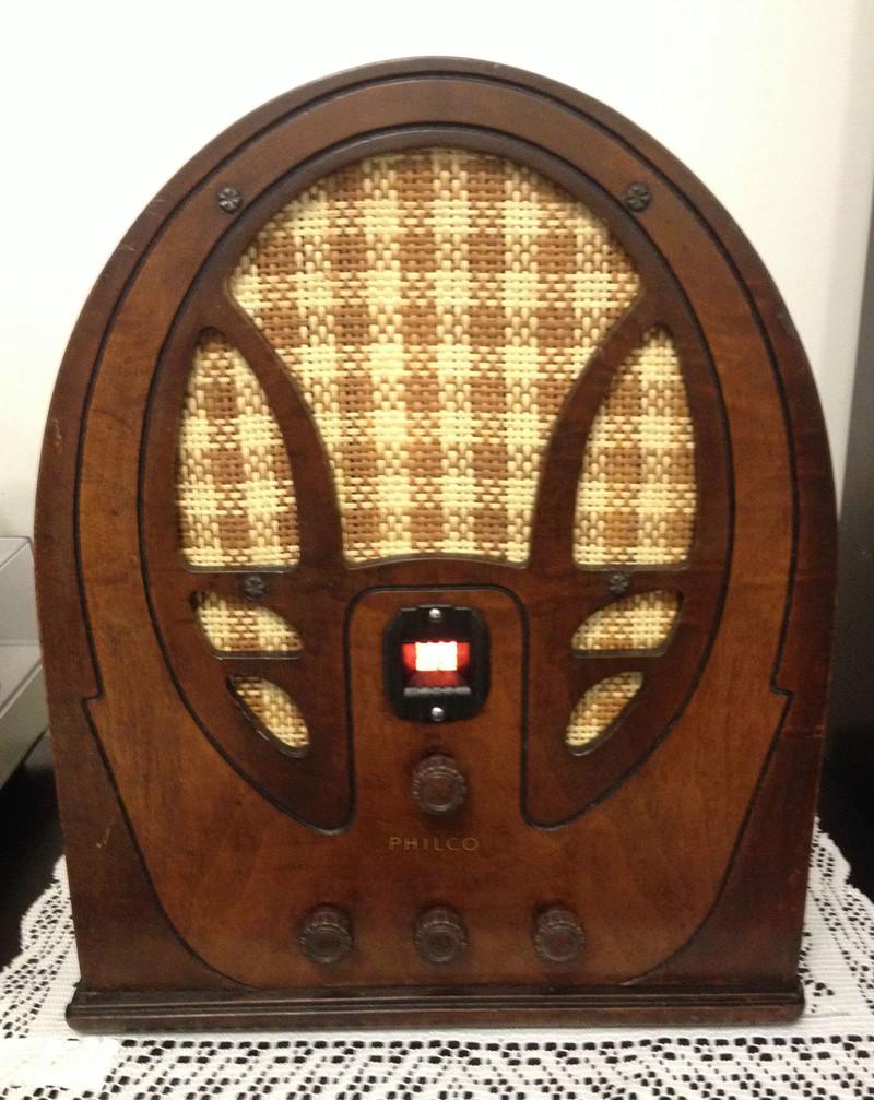 Restauracion radio a tubos Philco modelo 66 tipo catedral del año 1934 Img_4711