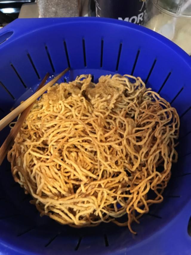 Seafood Fried Egg Noodle aka Mi Xao Don Do Bien  8b93a110