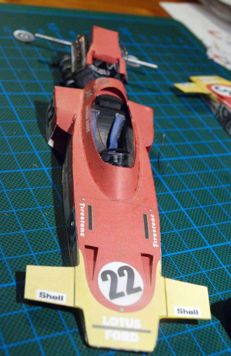Fertig - Lotus 72 von Jochen Rindt 1970 freier Download von Papercraftsquare gebaut von Kubi P1014623