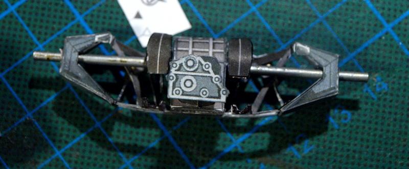 Fertig - Lotus 72 von Jochen Rindt 1970 freier Download von Papercraftsquare gebaut von Kubi P1014628