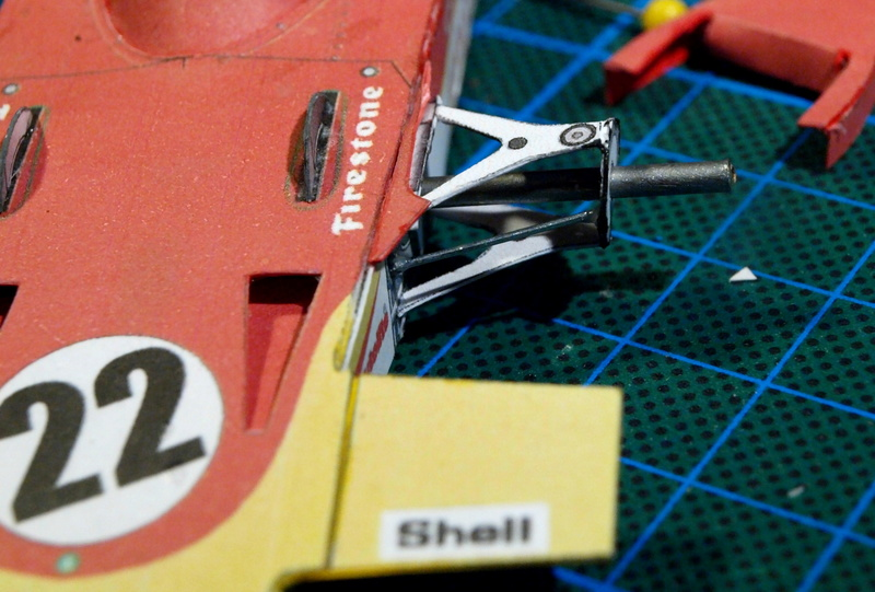 Fertig - Lotus 72 von Jochen Rindt 1970 freier Download von Papercraftsquare gebaut von Kubi P1014629