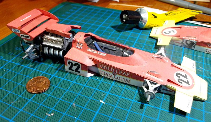 Fertig - Lotus 72 von Jochen Rindt 1970 freier Download von Papercraftsquare gebaut von Kubi P1014633