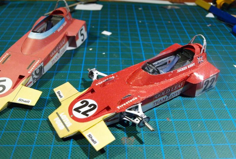 Fertig - Lotus 72 von Jochen Rindt 1970 freier Download von Papercraftsquare gebaut von Kubi P1014636