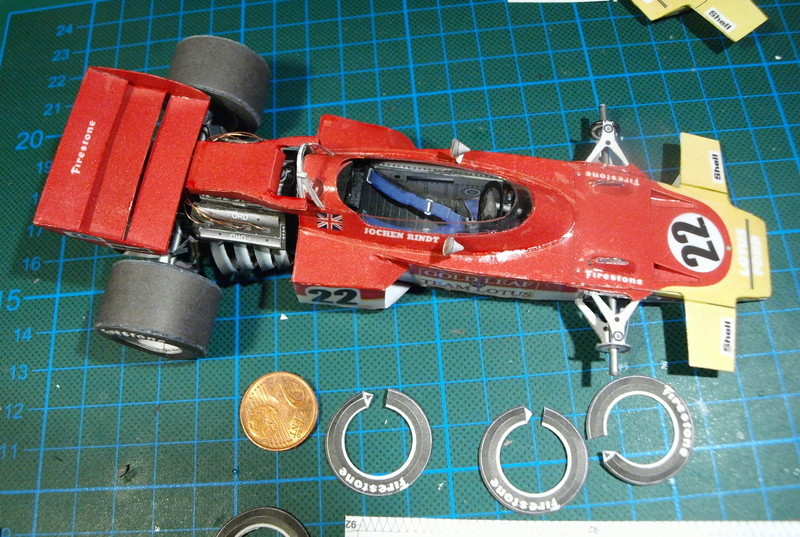 Fertig - Lotus 72 von Jochen Rindt 1970 freier Download von Papercraftsquare gebaut von Kubi P1014639