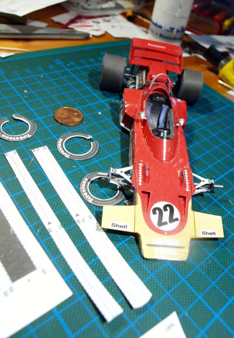 Fertig - Lotus 72 von Jochen Rindt 1970 freier Download von Papercraftsquare gebaut von Kubi P1014640
