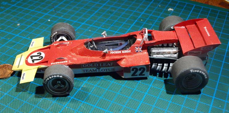 Fertig - Lotus 72 von Jochen Rindt 1970 freier Download von Papercraftsquare gebaut von Kubi P1014642
