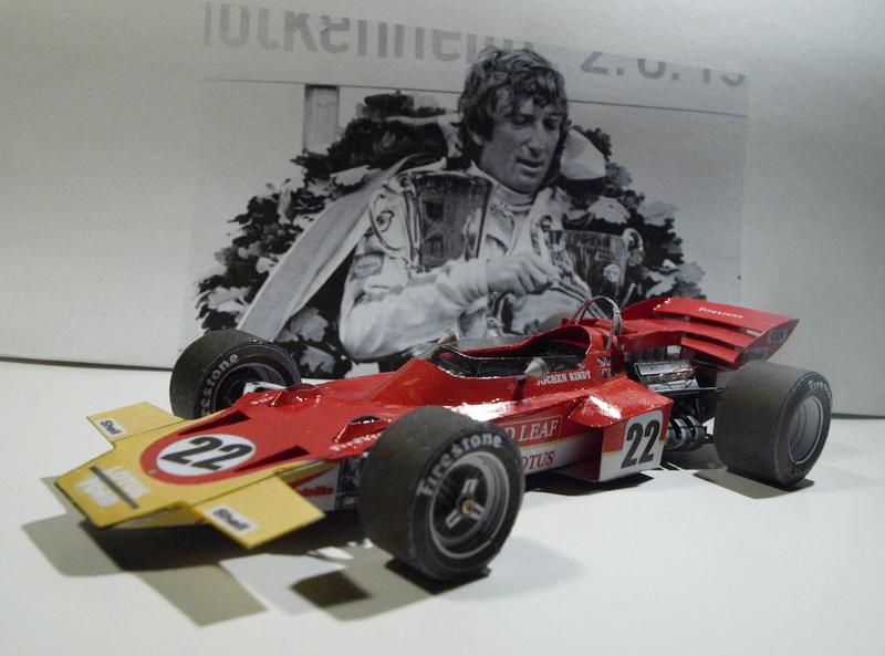 Fertig - Lotus 72 von Jochen Rindt 1970 freier Download von Papercraftsquare gebaut von Kubi P1014646