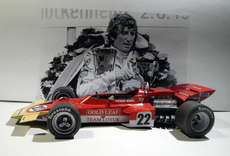 Fertig - Lotus 72 von Jochen Rindt 1970 freier Download von Papercraftsquare gebaut von Kubi P1014649