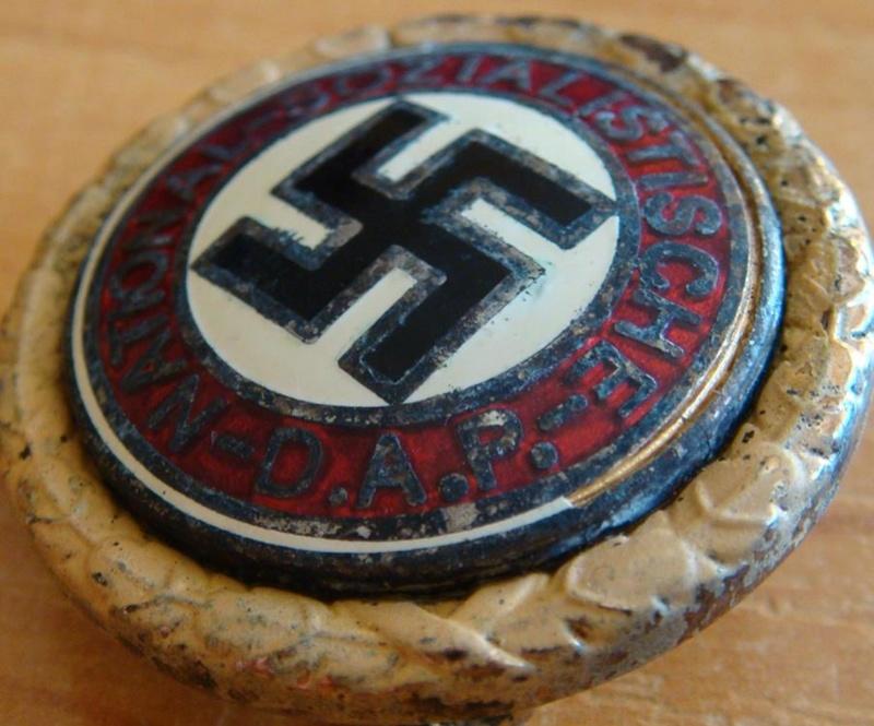 Authentification pin's NSDAP en or Cb521215