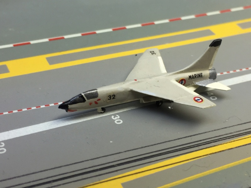 Porte-avions FOCH Réf 81071 Img_8623
