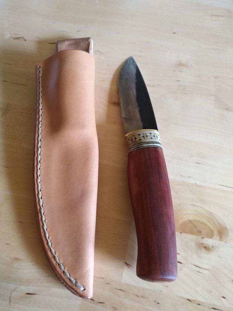 Compra de un cuchillo a iurde Img_2023