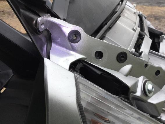 Those Givi AF214 Airflow brackets! A10
