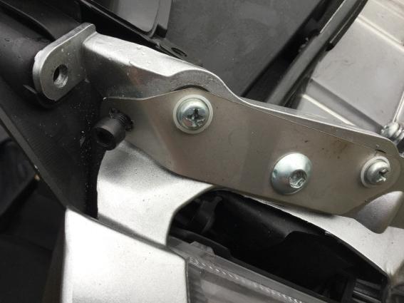 Those Givi AF214 Airflow brackets! K10