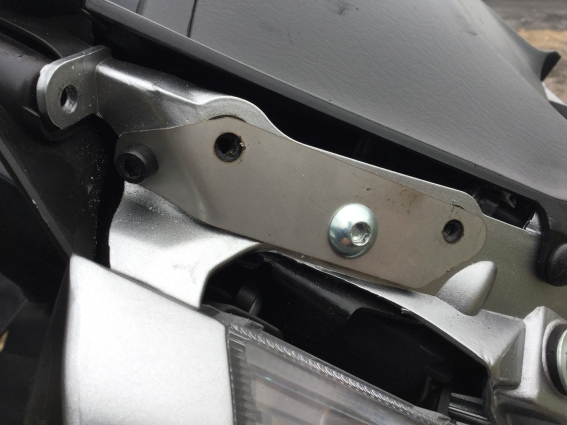 Those Givi AF214 Airflow brackets! M10