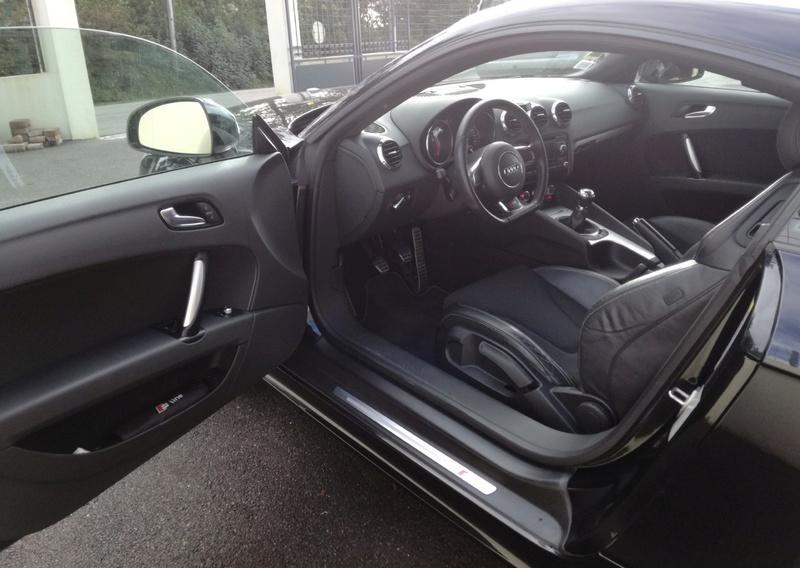 Audi TT 2.0L. TFSI  211CV  S-Line Quattro Audi_t18