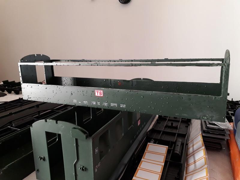 Construcció dels cotxes de viatgers Carcaixent-Dénia (Limón Exprès) a partir de vagons LGB 20180319