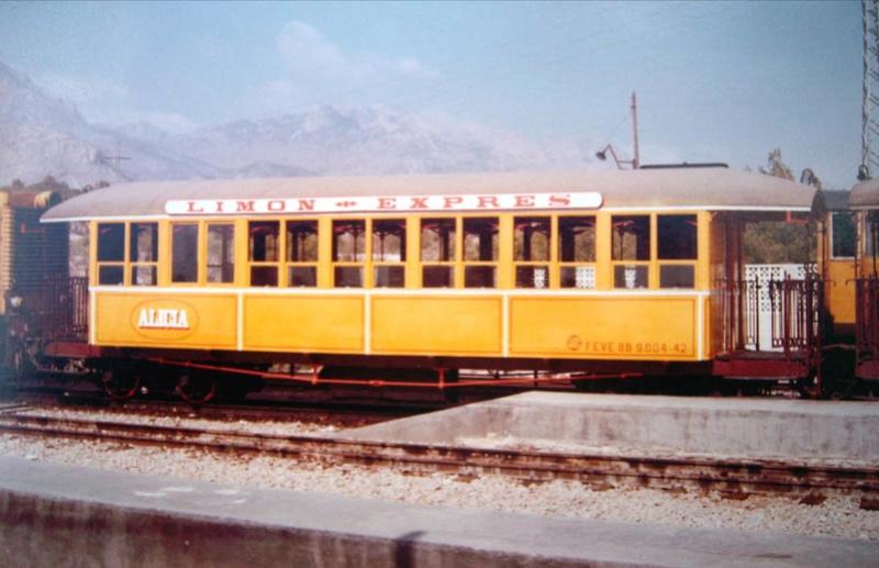 Construcció dels cotxes de viatgers Carcaixent-Dénia (Limón Exprès) a partir de vagons LGB Locomo12