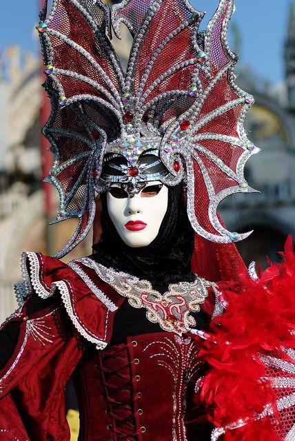 Le costume de carnaval vénitien 0ac8cd10