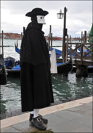 Le costume de carnaval vénitien Bauta10