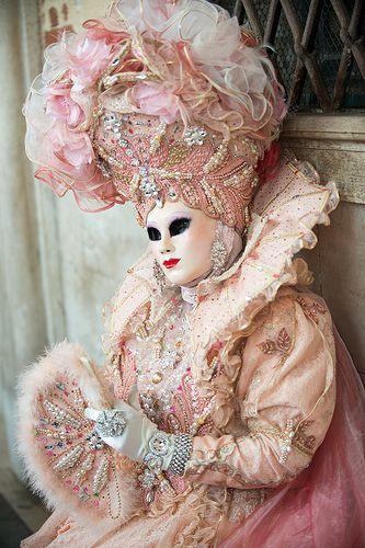 Le costume de carnaval vénitien C8c09e10