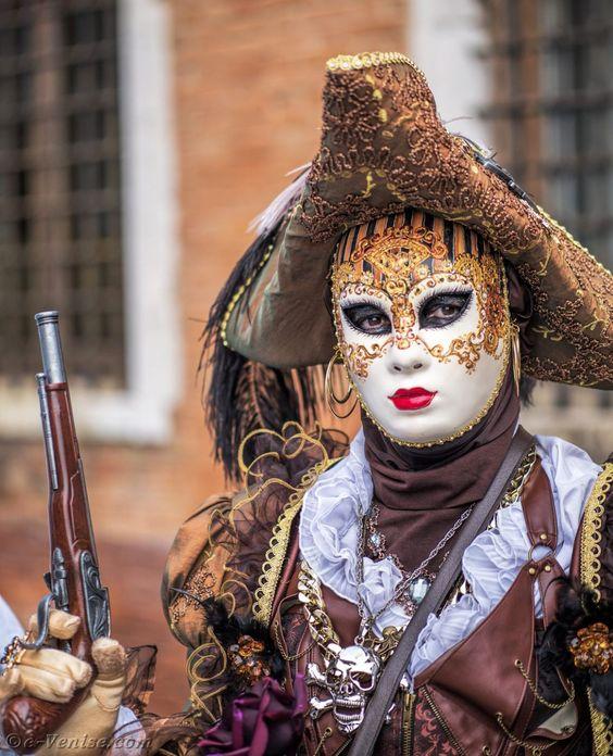 Le costume de carnaval vénitien Dca97310
