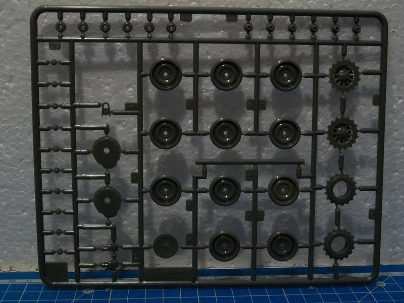 AMX 13 canon de 105 1/35ème Réf L 781 13-10528