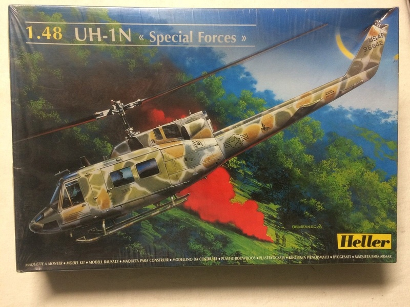 BELL UH-1N IROQUOIS 1/48ème Réf 80413 Uh-1n817