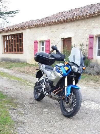 Vos plus belles photos de moto - Page 14 Xtz10