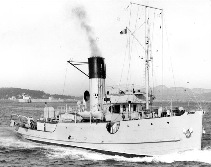 Le PAON, sister-ship du COQ, futur SAINT-CHARLES Paon10