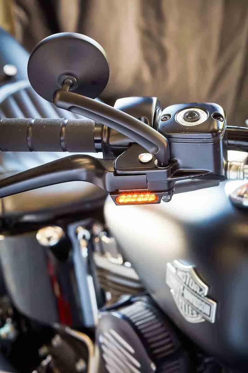 Nouveau possesseur de Low Rider S - Page 4 Mini-c10