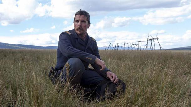 Hostiles : le western avec Christian Bale dévoile une sublime bande-annonce Zc10