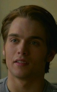 Dylan Sprayberry  - Page 2 Vavali11