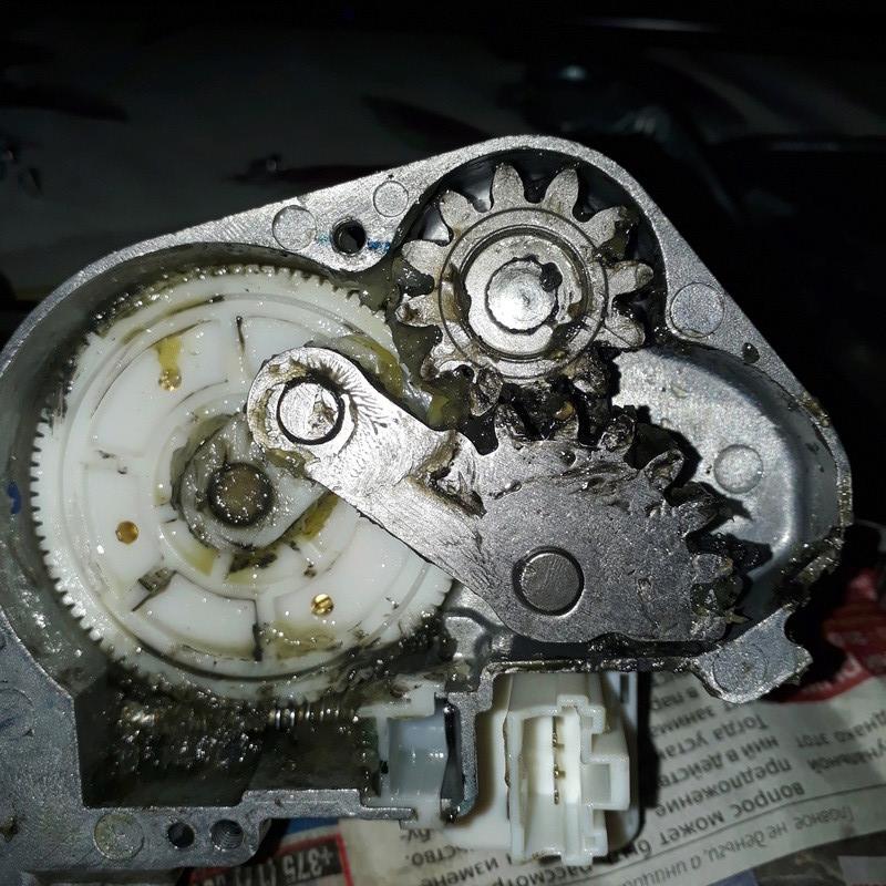 Перестал работать задний дворник стеклоочиститель Jeep Patriot (Compass) 2011 20180111