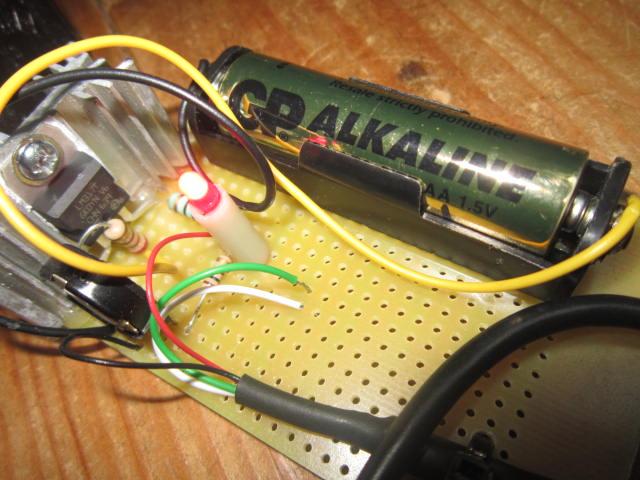 Mise en pratique et échanges autour de la réparation électronique : le Repair Café Charge10