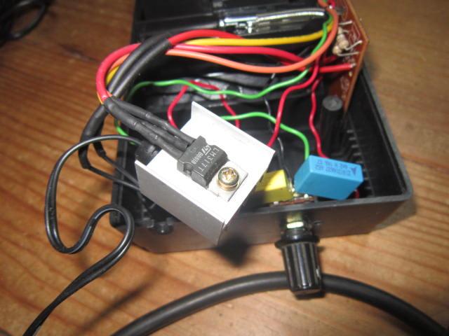 Mise en pratique et échanges autour de la réparation électronique : le Repair Café Charge13