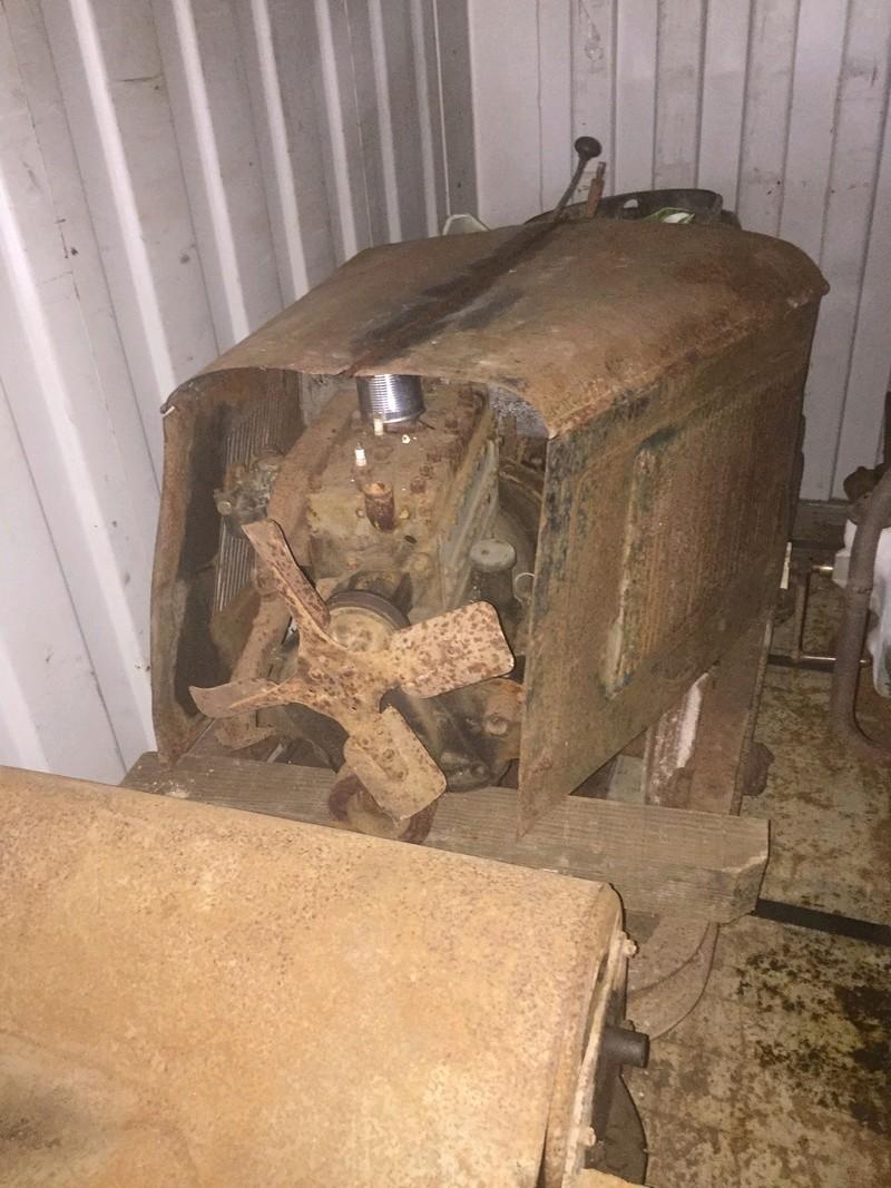 Locotracteur motorisé par un bloc moteur/boîte 201 Peugeot Img_2210