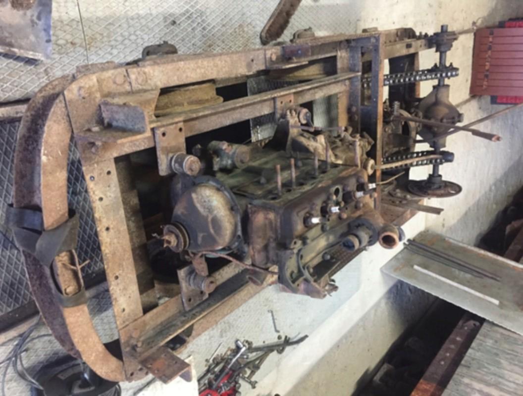 Locotracteur motorisé par un bloc moteur/boîte 201 Peugeot Img_3613