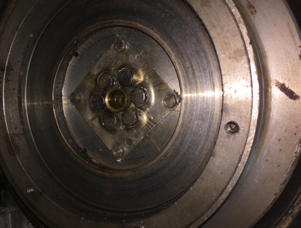 Locotracteur motorisé par un bloc moteur/boîte 201 Peugeot Img_3623