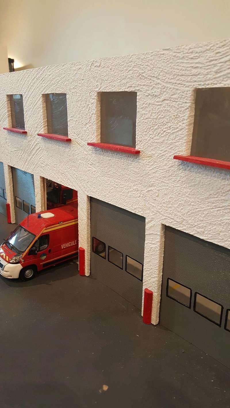 Caserne pompiers 1/43e 27485110