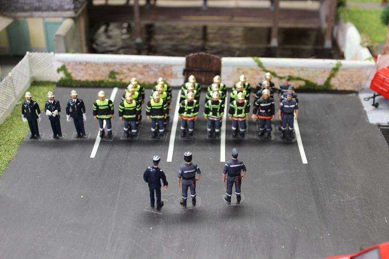 Caserne pompiers 1/43e - Page 3 Big-4810