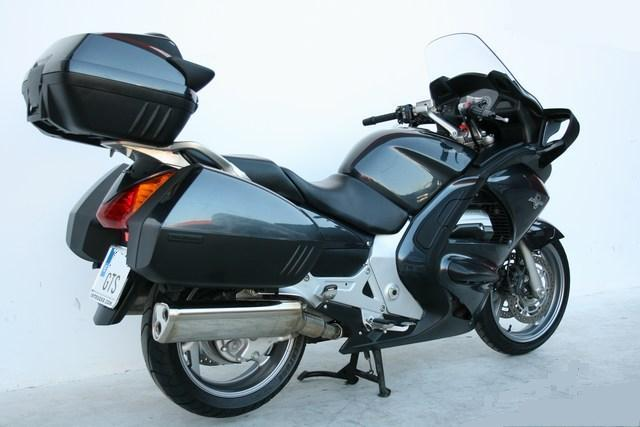 Se vende Paneuropean ST 1300 ABS 31460041
