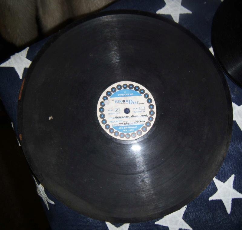 Bonne maison : Tourne disque US et V Disc !!! Us_19424