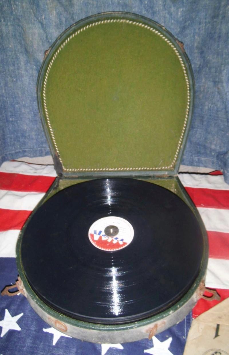 Bonne maison : Tourne disque US et V Disc !!! Us_19426